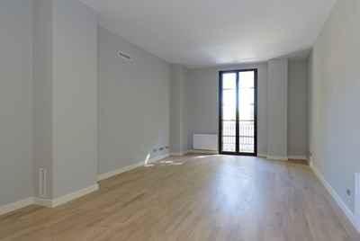 Последняя квартира от застройщика в Барселоне в центре города в нескольких минутах от моря